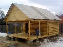 Срубы домов из лиственницы и кедра
